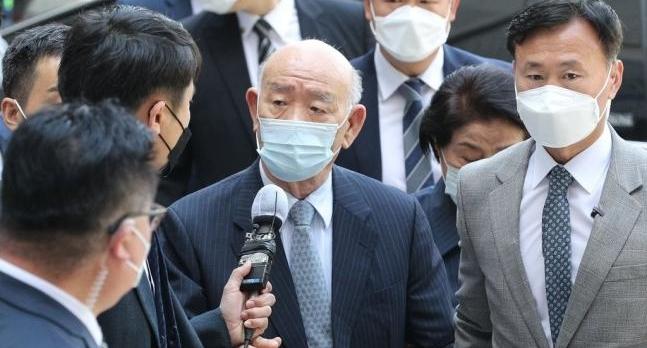 前总统全斗焕今日出庭受审