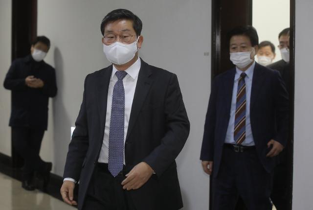정보위, 국정원법 개정안 與 단독 처리…野 반발