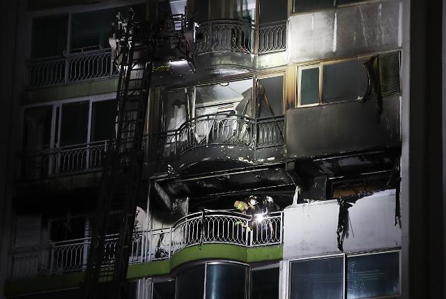 [포토] 군포 아파트 화재로 4명 사망