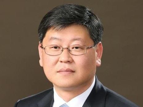 文대통령, 사표 하루 만에 법무부 차관 임명…이용구 변호사 내정