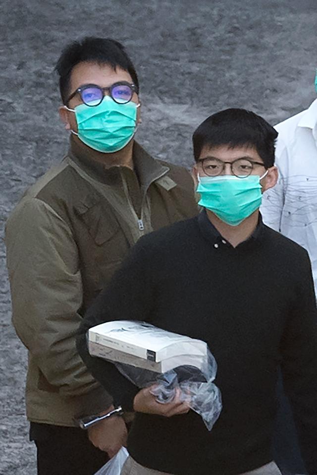 조슈아 웡 13.5개월…홍콩 민주화운동 얼굴들 감옥행