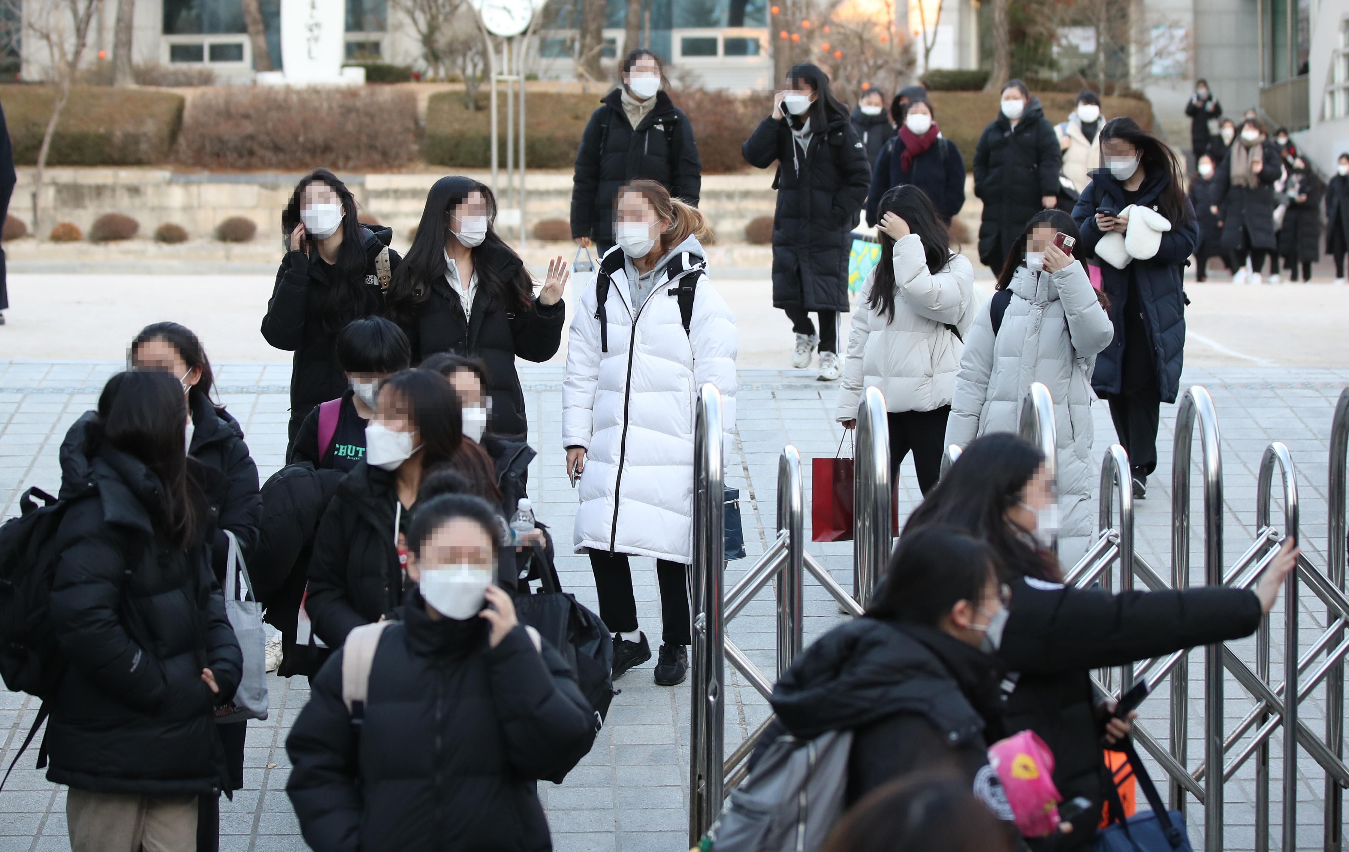因疫情延期两周 韩国高考今日开考