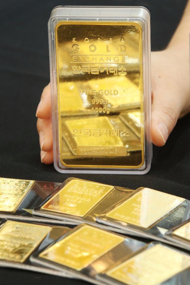 """내리는 금값, 오르는 유가에도 """"금값 여전히 매력적"""""""