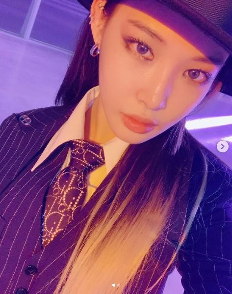 Singer Chungha tested positive for COVID-19