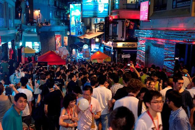 [NNA] 홍콩 란콰이펑 매장, 12월 매출 절반으로 줄 듯