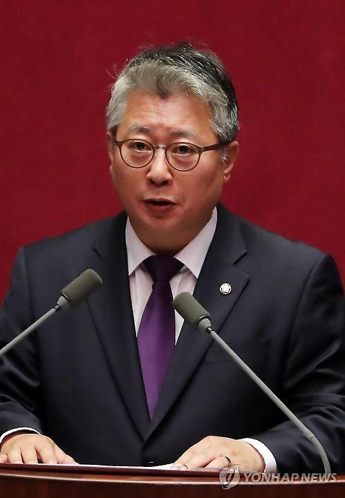 """'소신'으로 국정원법도 투표 안한 조응천…민주당 """"존중하겠다"""""""