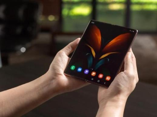 三星电子成折叠屏手机市场王者 市占率逼近九成