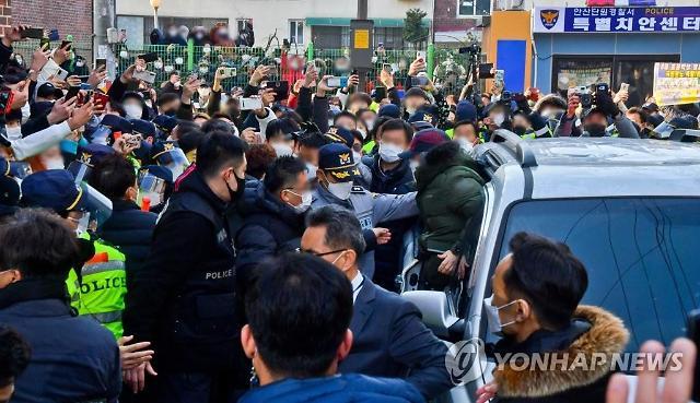 민폐 전락한 유튜브 BJ들...청송교도소 무단침입·조두순 거주지 소란까지