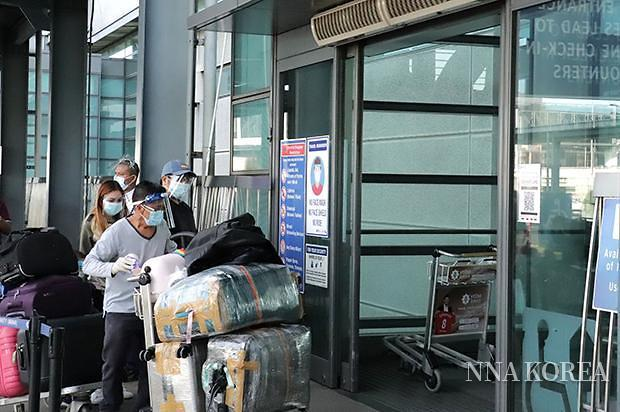 [NNA] 필리핀, 9개월 만에 일반취업비자 재입국 허용... 17일 이후 출국자 한정