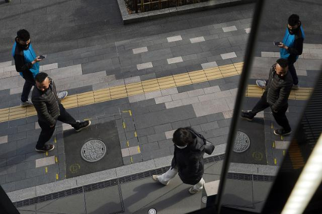 일본 코로나 확진자 22만명 돌파...신규 확진자 2905명