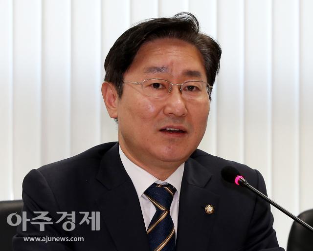 추미애 사표수리 초읽기…차기 법무장관 박범계 유력