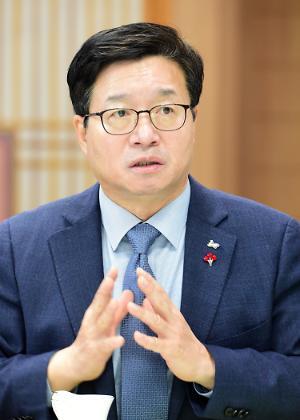 """염태영 수원시장 """"시민의 안전 최대한 지키고, 지역경제 활성화할 것"""""""