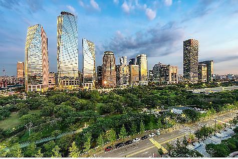 """首尔市选定""""1月未来遗产"""":汝矣岛公园、《观赏电车》、普信阁敲钟"""