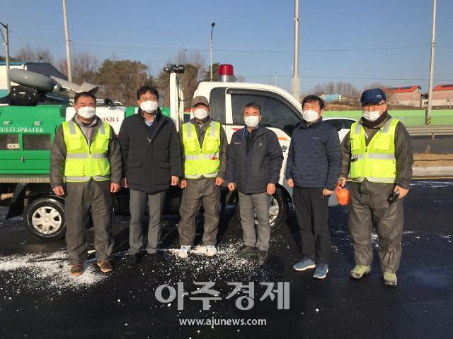 윤주섭 NH농협 평택시지부장, AI방역현장 격려 방문