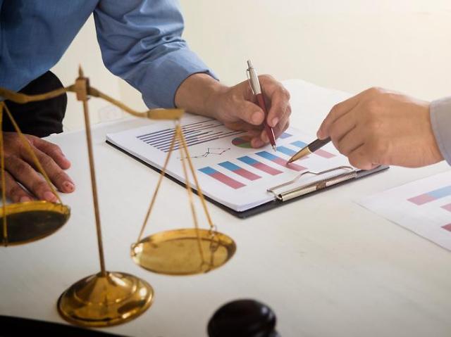 코로나19에 재무악화 우려··· 금융당국, 선제적 지침 마련