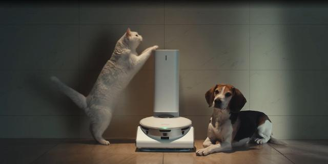 [CES 2021] 삼성 '제트봇 AI' 청소기, 승현준 사장 반려견 말썽도 단숨에 해결