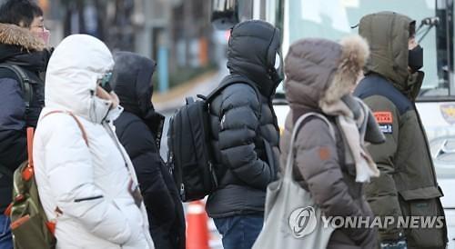 [오늘의 날씨 예보] 낮부터 기온 올라....오후부터 내륙 곳곳 눈