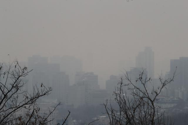 [오늘의 날씨 예보] 낮 최고기온 13도 포근...한파 가니 미세먼지 기승