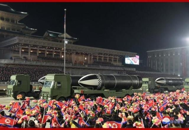 [김정래의 소원수리] 新SLBM 북극성-5형, 北핵잠수함 6기 탑재 가능성 제기