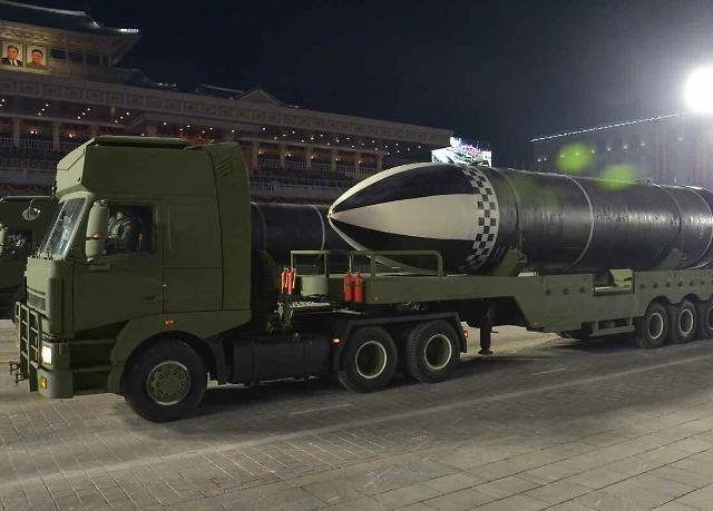 [화보] 북한, 어제 야간열병식…신형 SLBM 북극성-4ㅅ 공개