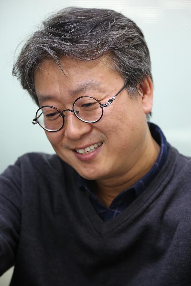 [코로나19 극복 쇼핑몰-40] 호두나무 원목 소재로 수제 제작