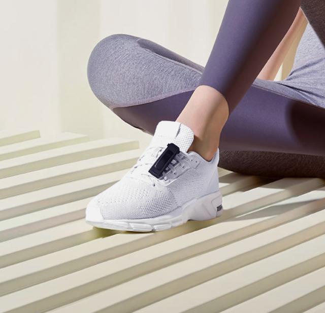 화웨이, 손 대신 신발에 차는 화웨이 밴드 4e 출시... 운동 특화 강조