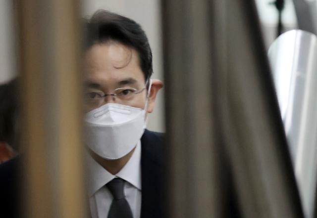 국정농단 이재용 파기환송심 징역 2년6개월…재수감