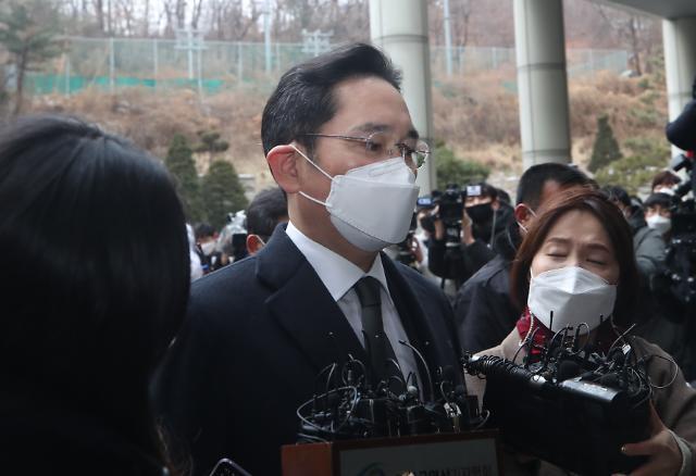 """[이재용 재구속] 최후진술 거부한 JY """"할 말이 없다"""""""
