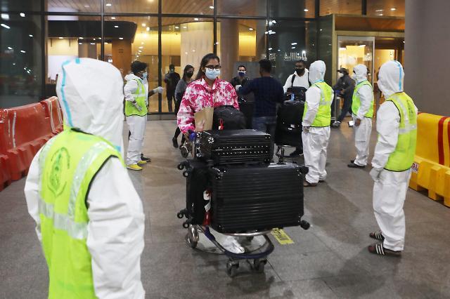 바이든vs트럼프, 美-유럽·브라질 여행금지 해제 놓고 오락가락 힘겨루기