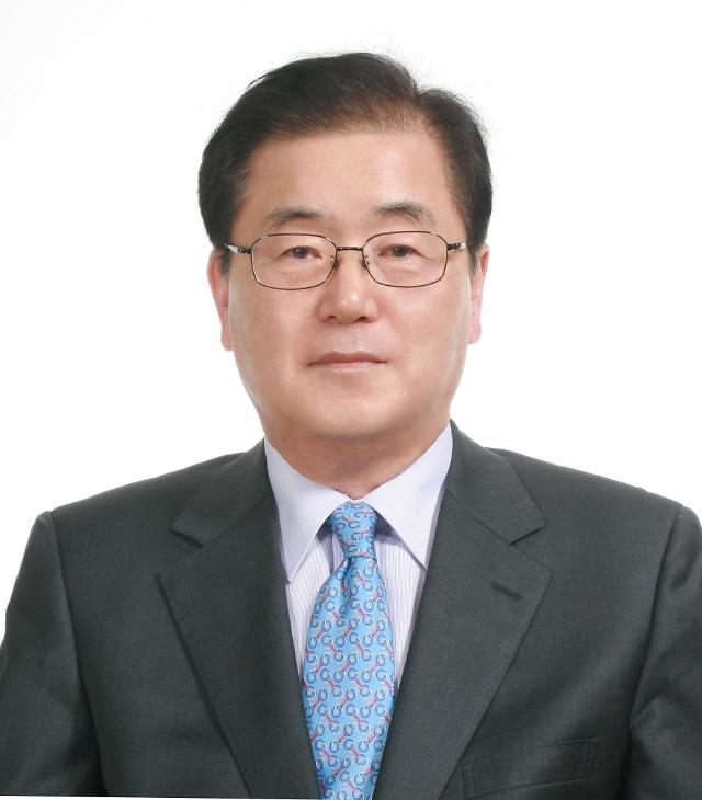 文, 정치인 출신 내각 전면에…외교 정의용·문체 황희·중기 권칠승