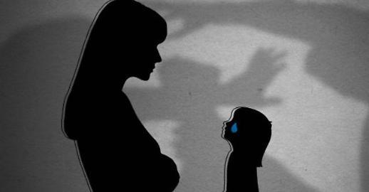 韩国3个月大婴儿遭亲生母亲虐待 头盖骨被打裂