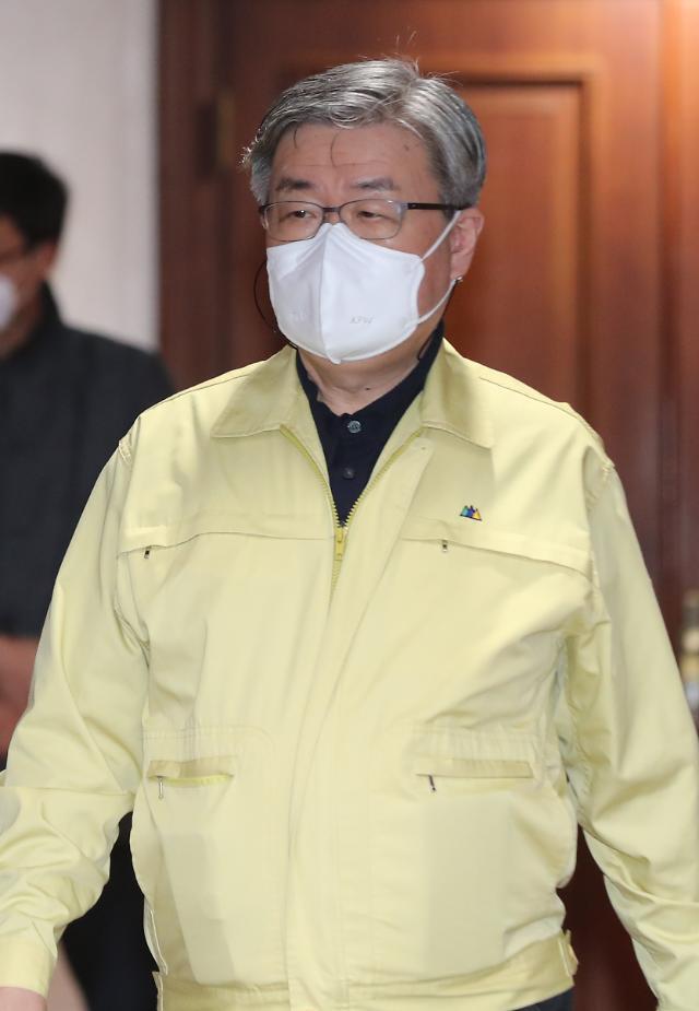 """작년 산재 사고로 882명 사망…이재갑 장관 """"산재 감축에 혼신의 노력 다할 것"""""""