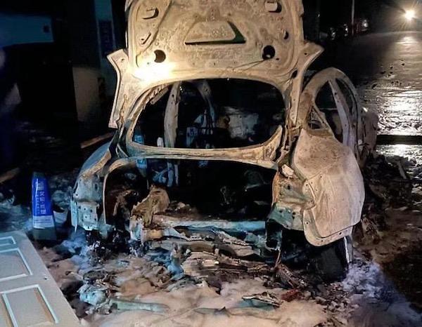 테슬라 모델3 잇단 폭발사고에 中 소비자 불만도 '폭발