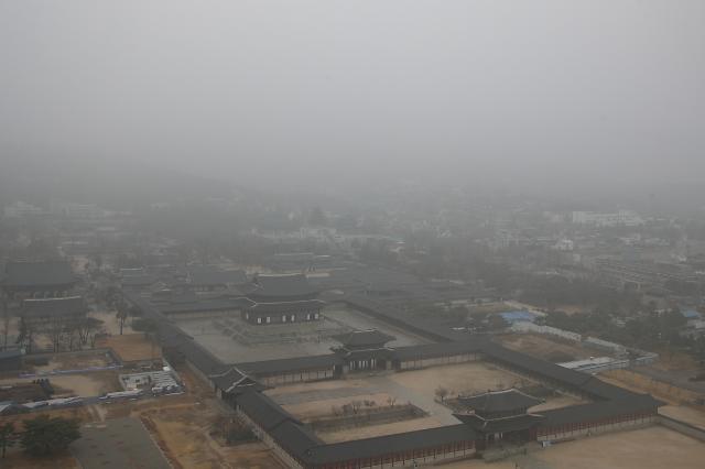 [오늘의 날씨] 전국 영상권 포근...곳곳 비 예상