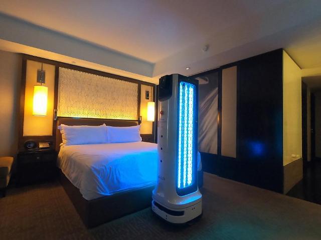 LG 클로이 살균봇, '베스트 오브 CES' 초청받아 호텔 방역 시연