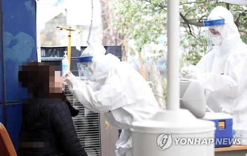 """[코로나19] 코로나19 회복해도 후유증…""""피로감·호흡곤란·탈모 겪어"""""""