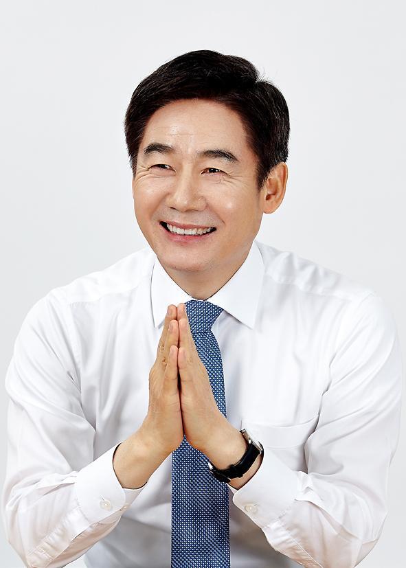 """외국인 부동산 줍줍...이용호 """"외국인 투기꾼 세력 뿌리 뽑아야"""""""