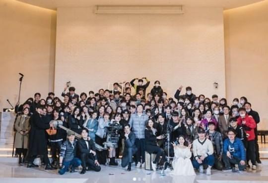 차은우, 드라마 여신강림 노마스크 단체 사진 올린 뒤 삭제