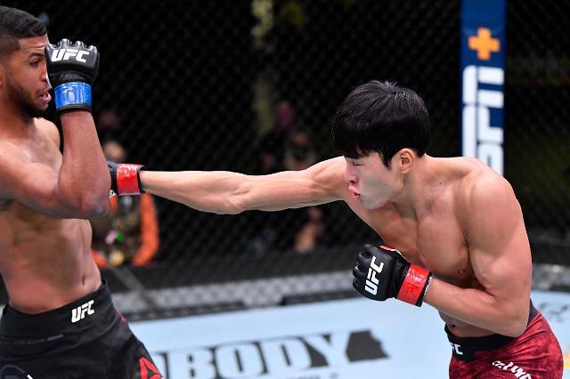 """UFC 재계약 앞둔 최승우 """"타격가와 큰 그림…증명할 것"""""""
