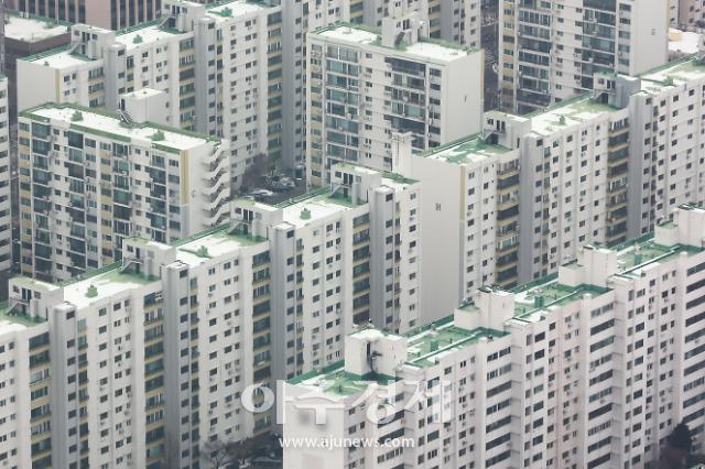 """기재부 """"韓 보유세 비중 OECD 평균 초과, 사실 아니다"""""""
