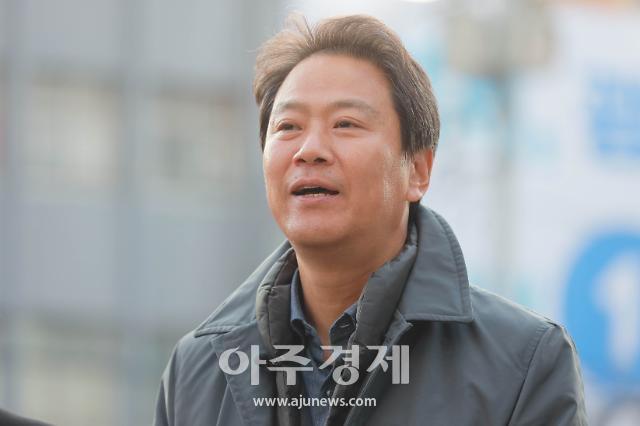 """법원 """"주사파 표현 지만원, 임종석에게 200만원 지급"""""""