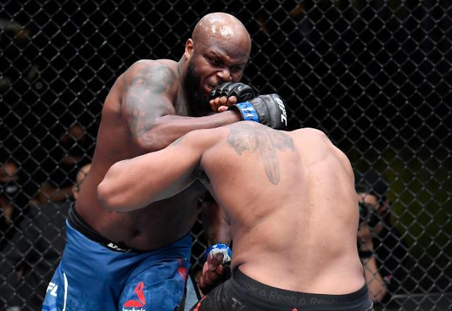 블레이즈, UFC서 루이스에 떡실신