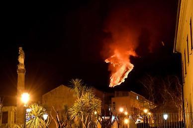 [포토] 용암 분출하는 이탈리아 에트나 화산