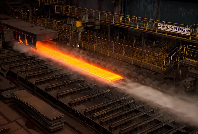 [철강시장 동향] 글로벌 시장에서 위상 제고···철강업계 올해 반등 확신
