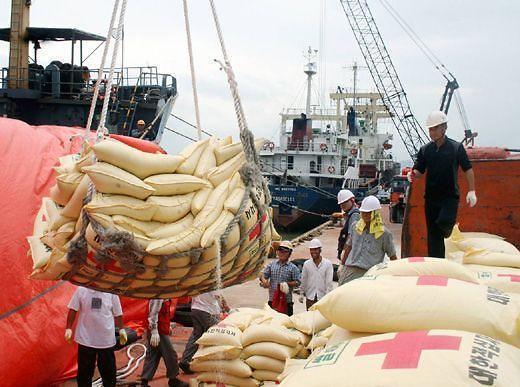 美国亚太战略部署加速 世粮署催促朝鲜开放边境接受援助