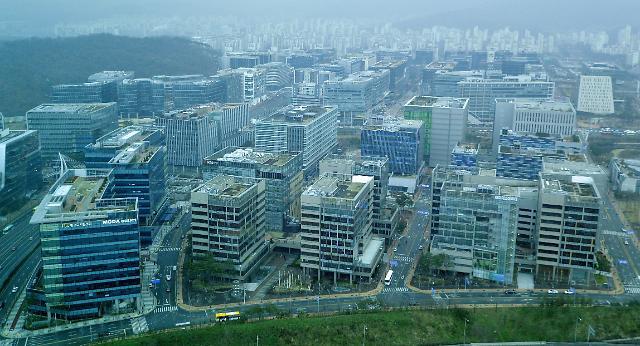 韩国IT人才匮乏 各大公司不惜重金抢人