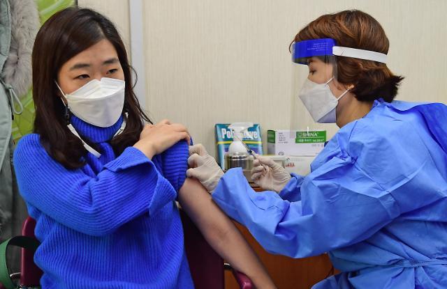 코로나19 백신접종 이틀째 전국 1217명 접종…누적 2만322명