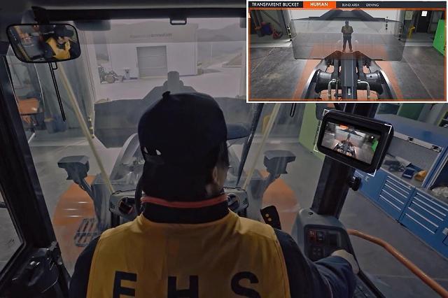 두산인프라코어, 사각지대 볼 수 있는 투명버킷 휠로더 출시