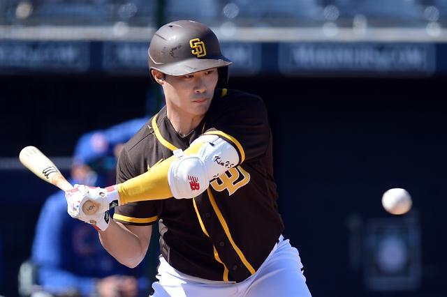김하성, MLB 시범경기서 첫 안타