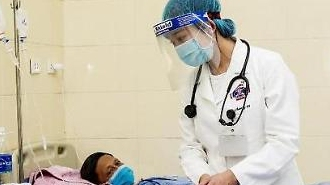 [NNA] 베트남 국내감염 8명 증가, 61개 성시 학교재개